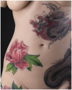 corps tatoué
